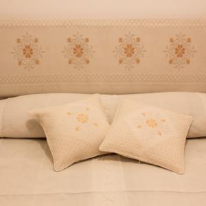 Cuscino bicolore J